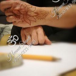 Lótusz minta kézfejen